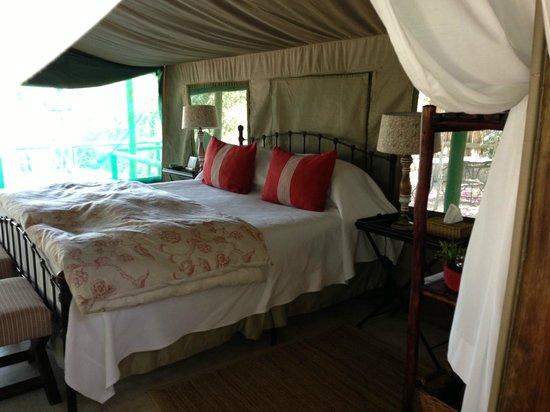 Tanda Tula Safari Camp : Cama
