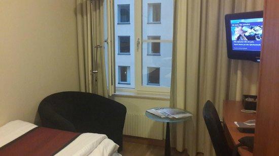 Scandic Klara: small single room on the 4th floor