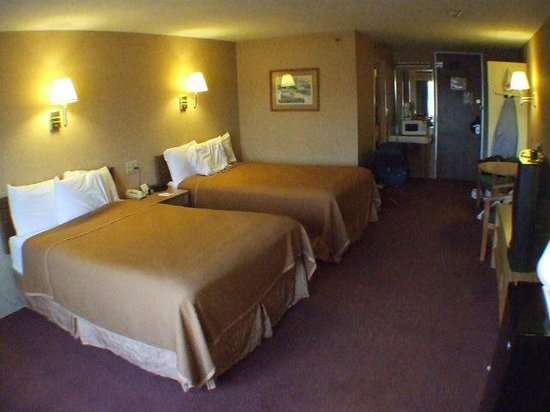 Howard Johnson Closest to the Falls and Casino : Our room