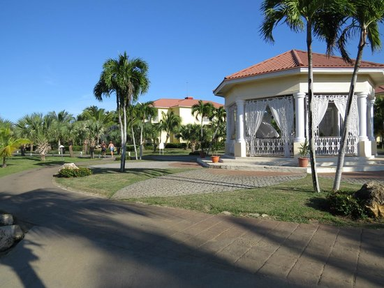 Paradisus Princesa del Mar Resort & Spa: camino a la playa