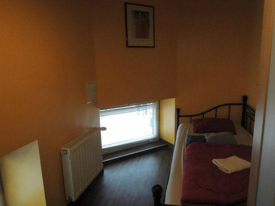 Do Step Inn: twin room