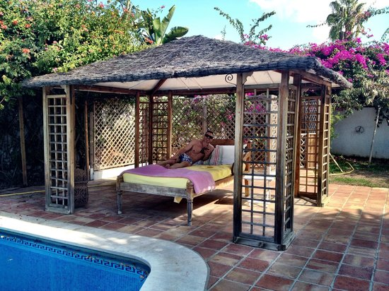 Casa la Concha: Massage cabana by the pool