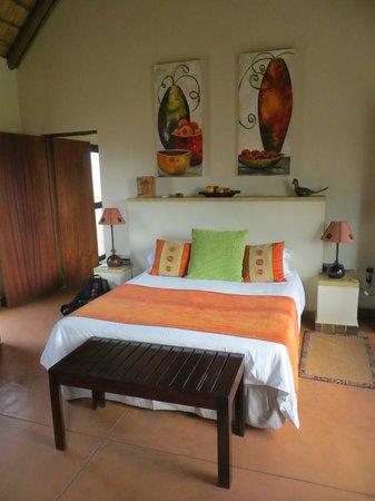 Mohlabetsi Safari Lodge: Intérieur rondavel