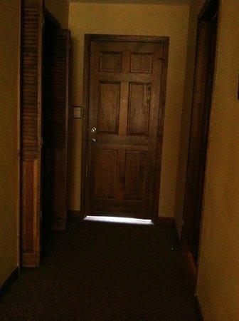 Laurelwood Inn Rm 302 door from inside