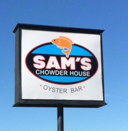 Sam's Chowder House: Sam's Sign right on Hwy 1