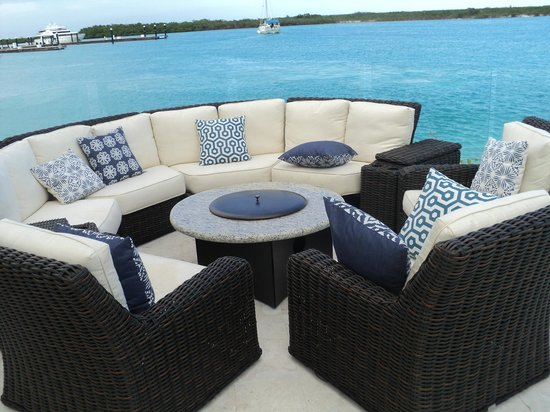 Blue Haven Resort : Really nice fire pit/ conversation areas