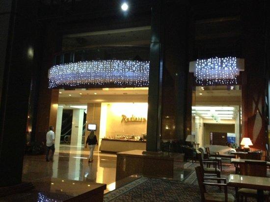 Radisson Montevideo Victoria Plaza Hotel: Lobby
