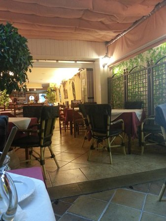 Restaurante Miami: View from Inside the restaurant MIAMI