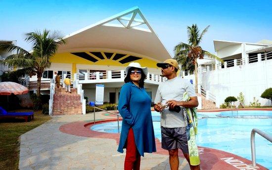 Puri - Golden Sands, A Sterling Holidays Resort : Resort swimming pool