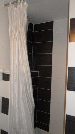 Axe Hotel: le rideau de douche