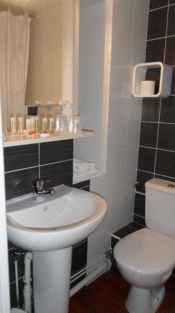 Axe Hotel: salle de bain