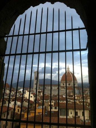 Museo di Palazzo Vecchio: Scorcio del Duomo dai camminamenti di Ronda di Palazzo Vecchio a Firenze