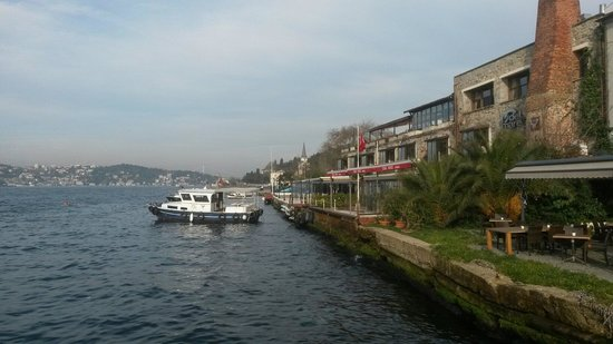 Sumahan on the Water: Hotel and its boat.