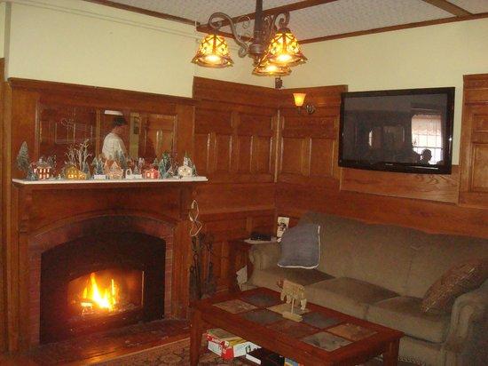 Bernerhof Inn Bed and Breakfast: Sitting room
