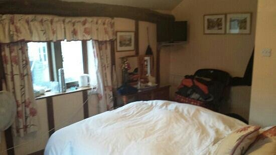 Causeway House: room 2
