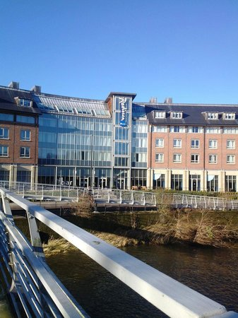 Radisson Blu Hotel, Durham: Extremely close from city centre! Less than 5min walk.