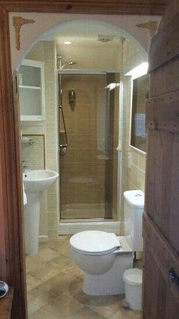 Causeway House: room 2 en suite