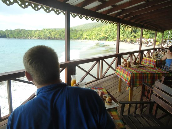 Ti Kaye Resort & Spa: beach bar