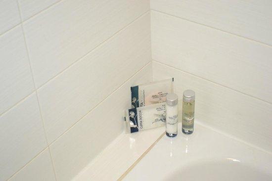 Arli Hotel : productos de baño