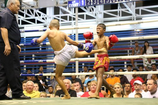 Bangla Boxing Stadium: muay thai