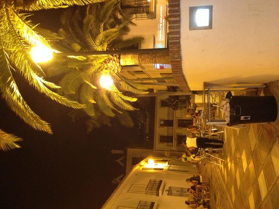 Hotel Casa Rosa : Abend