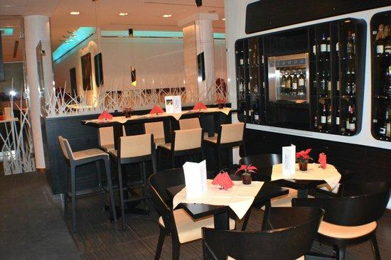 Arli Hotel: comedor