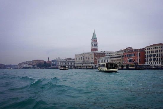 DiscoveringVenice -  Walking Tours: Water Taxi Ride