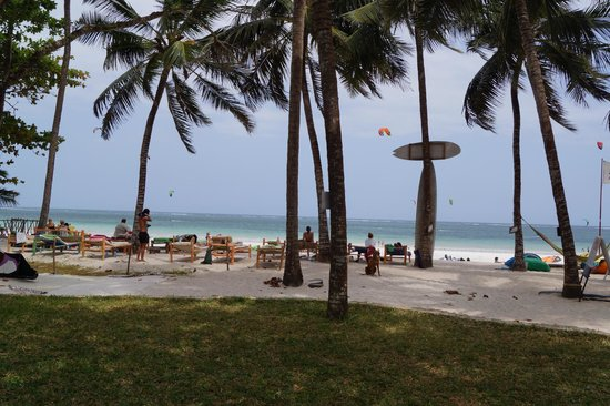 Kenyaways Beach Bed & Breakfast: Plage et Kite