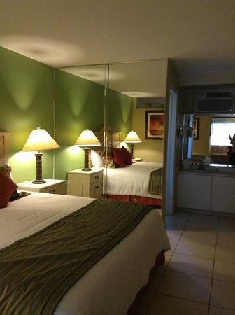 Alden Suites: Room