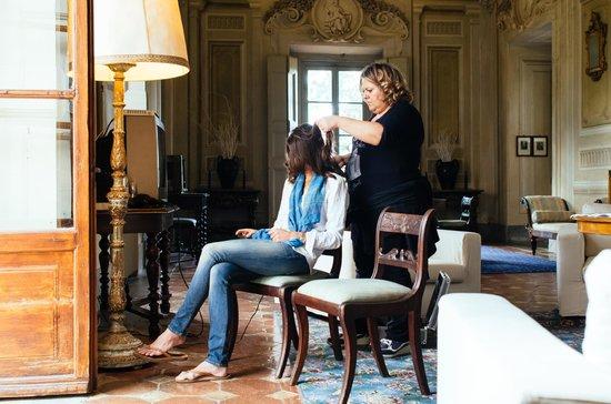 Castello di Montegufoni: The most fabulous living room!