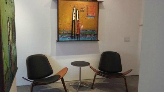 La Casa del Camino: Riviera Suite sitting area