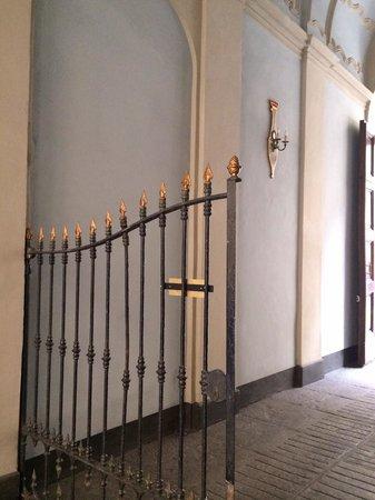 B&B Casa Cavour: Interno sotto portico