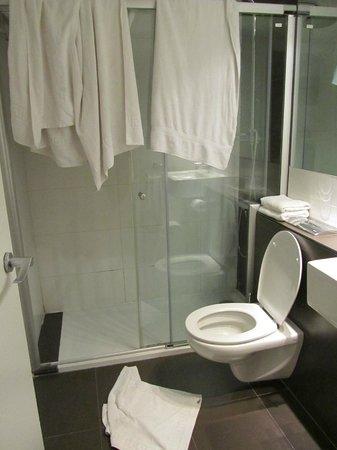 Hotel Urquinaona : Baño