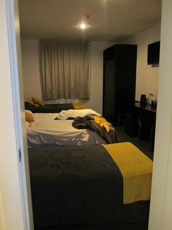 Hotel Urquinaona : Habitacion