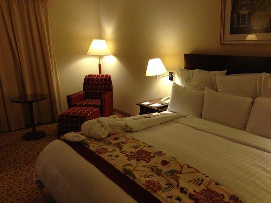 Paris Marriott Charles de Gaulle Airport Hotel: Bed