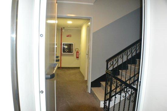 Ferton Hotel: pasillos