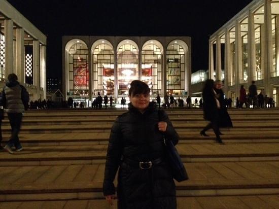 The Metropolitan Opera : Прекрасное здание Метрополитен опера