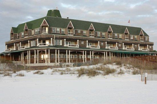 Henderson Park Inn: Can't believe this beautiful inn is at Destin