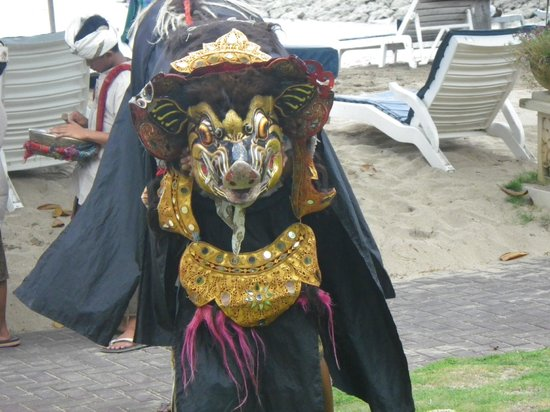Club Bali Mirage: Entertainment