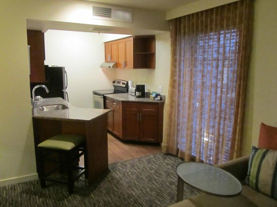 HYATT house Scottsdale/Old Town: Fully equipped kitchen