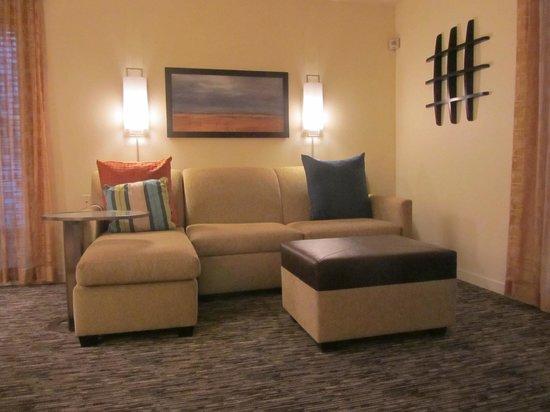 HYATT house Scottsdale/Old Town: Living room area