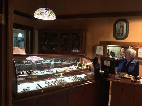 Cafe Cabure: Don't miss the home made chocolates
