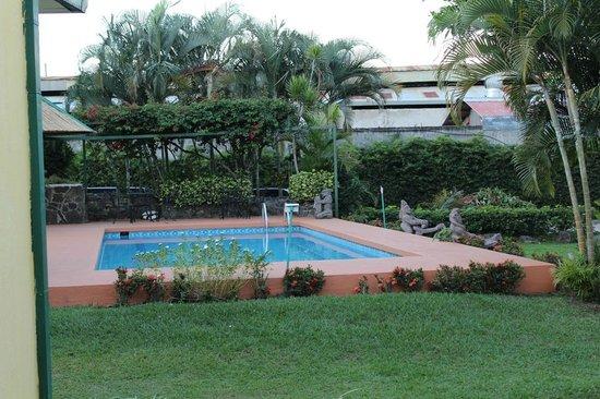 Hotel Bristol Aeropuerto (Antiguo Villa dolce).: giardino con piscina