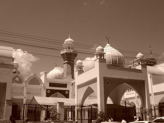 Jamia Mosque: Jamia 2