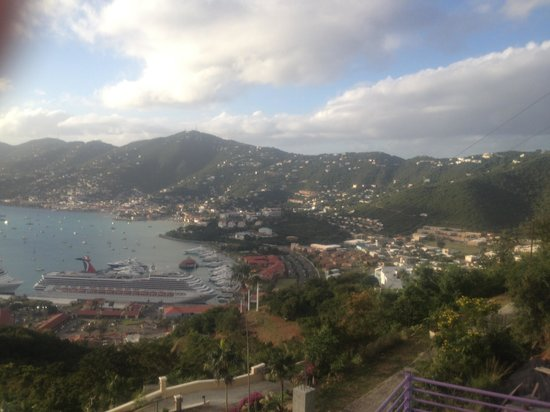 Skyride to Paradise Point: Just beautiful!  Steep roads with great views of beautiful homes of St Thomas. Views on top are