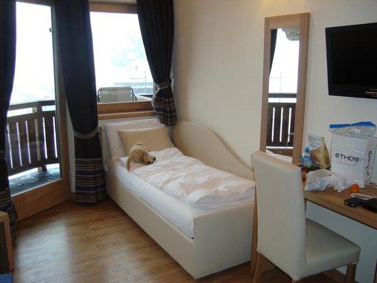 Hotel B&B Bondi: Divano letto nella camera mansardata