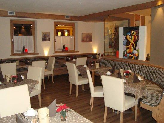 Hotel B&B Bondi: Saletta per la colazione