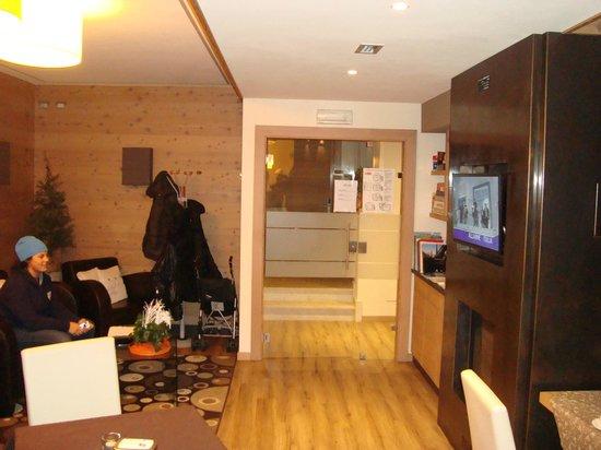 Hotel B&B Bondi: Entrata dell'hotel