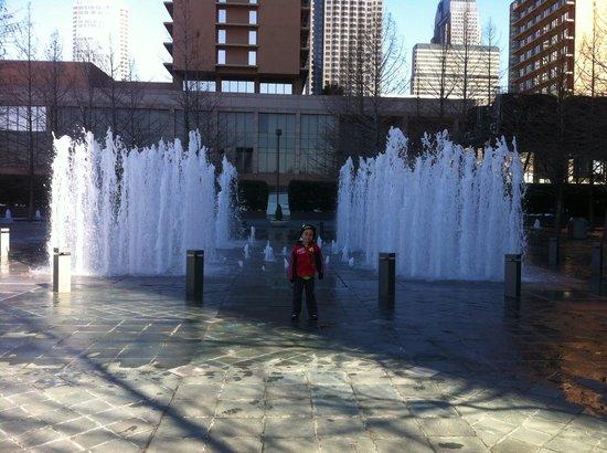 Fountain Place: El mejor sitio para visitar Dallas, Tx.