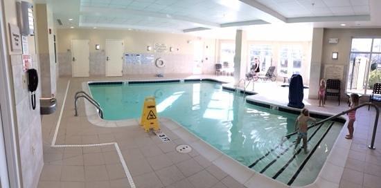 Hilton Garden Inn Atlanta Airport North: great pool area